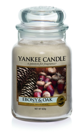 Yankee Candle Harvest Time Ebony & Oak candle
