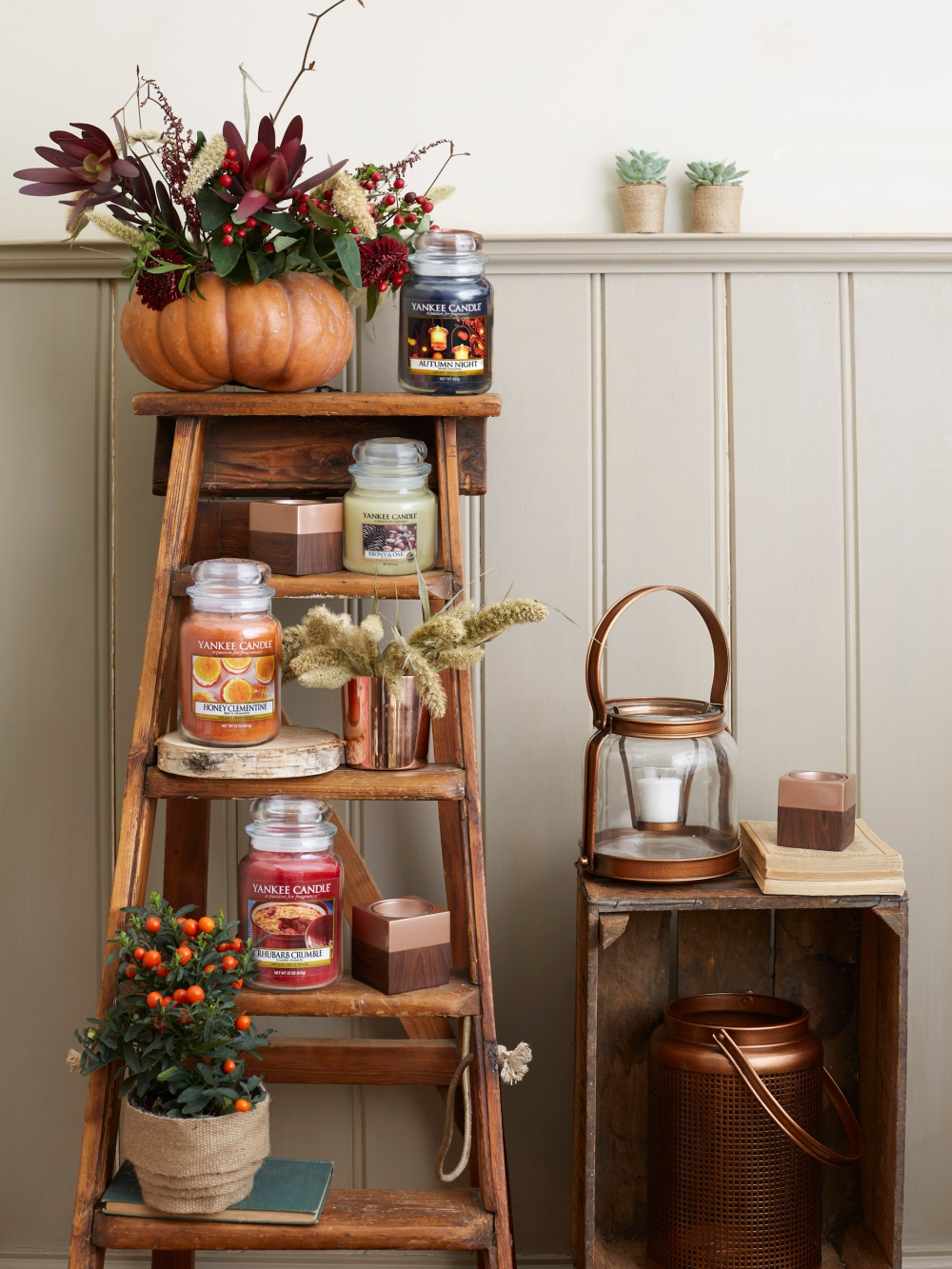 Yankee Candle Harvest Time candle collection