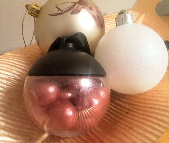 Lakrids rose gold liquorice bauble