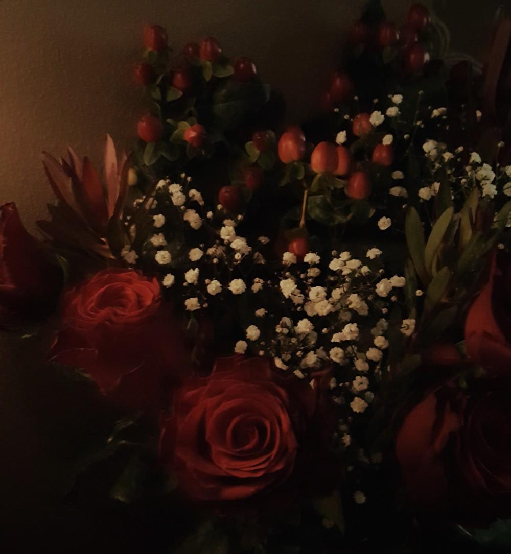 Bloom & Wild Gemma Christmas bouquet