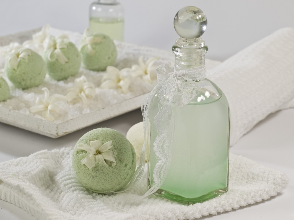 bath-balls-1617472_1920.jpg
